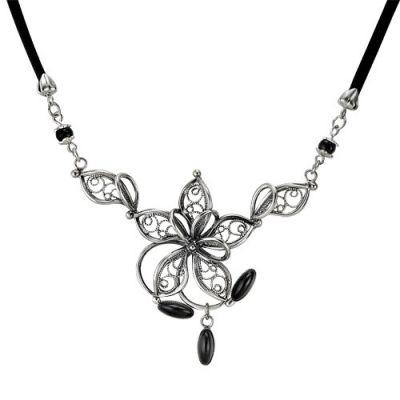Колье бижутерия на каучуковом шнурке в виде крупного цветка из завитков с черным хрустальным стеклом...